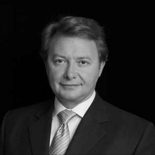 Nicholas Nikolov